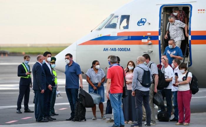 Группа российских медиков прибыла в Азербайджан для борьбы с коронавирусом